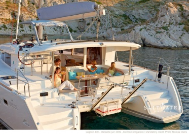 lagoon 400 3cab Owners Version for charter in Greece