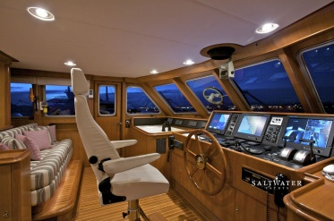 Suncoco Luxury Motor Yacht for Charter in Greece and Mediterranean. Saltwater Yachts